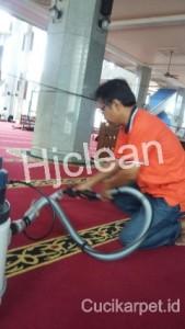 Cuci Karpet Mesjid Al Azhar Jaka Sampurna