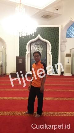 Cuci Karpet Masjid Istana Negara Jakarta